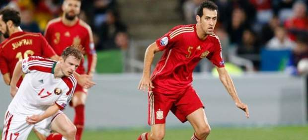 Sergio Busquets con la selección